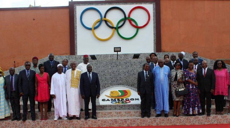 la crtv et le comit national olympique et sportif du cameroun pour l essor de l olympisme. Black Bedroom Furniture Sets. Home Design Ideas
