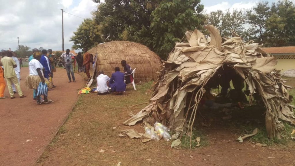 Mungolu-habitat-of-the-Baka-Pygmies.