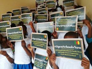 Des enfants impliques dans #OpenSchoolsNow